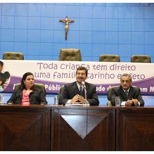 Mandato Pedro Kemp realiza audiência pública sobre adoção