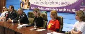 Mandato promove audiência pública sobre adoção
