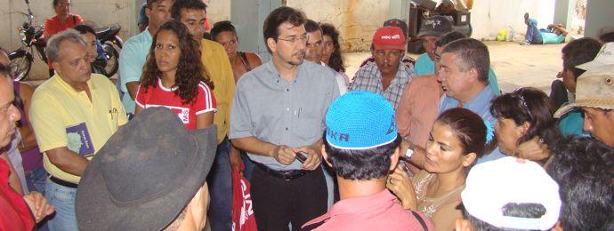 Pedro Kemp acompanha protesto dos trabalhadores sem-terra no Incra