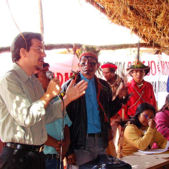 Kemp faz pronunciamento cobrando demarcação das terras indígenas