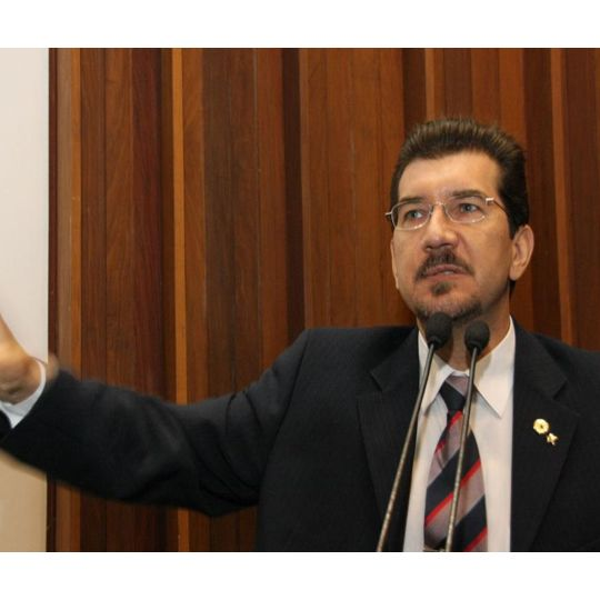Parlamentar faz discurso na Assembleia Legislativa sobre a saúde pública